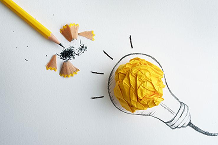 Kreatywne projekty graficzne zaczynają się na kartce papieru