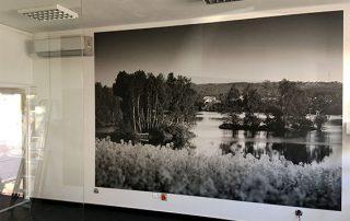Tablica reklamowa matowa z widokiem zalewu Wolbromskiego
